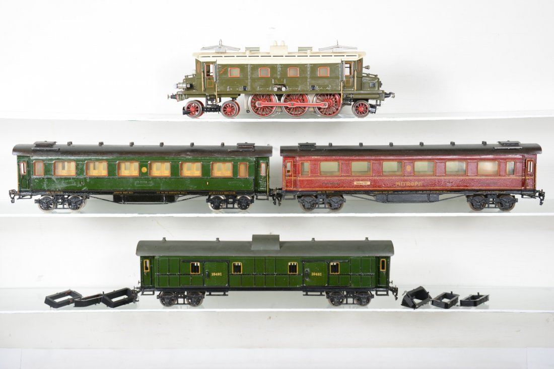 Nice Marklin 52cm Passenger Set