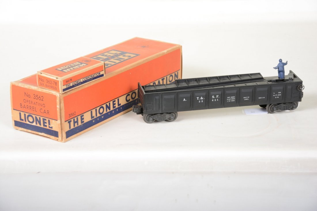 Super Boxed Lionel Black 3562 Barrel Car - 3
