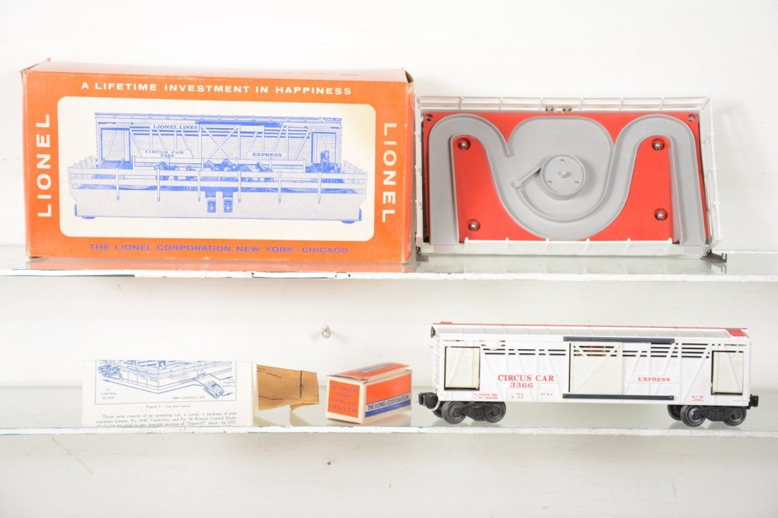 Scarce Boxed Lionel 3366 Operating Circus Car