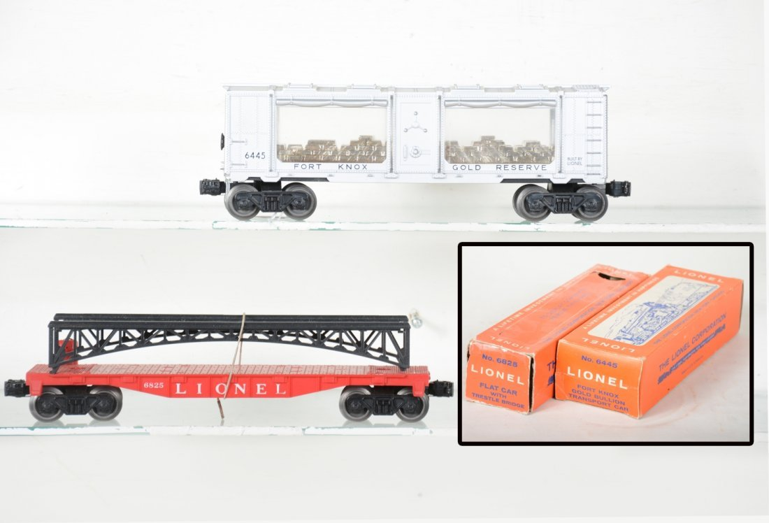 LN Boxed Lionel 6445 & 6825 Freight Cars
