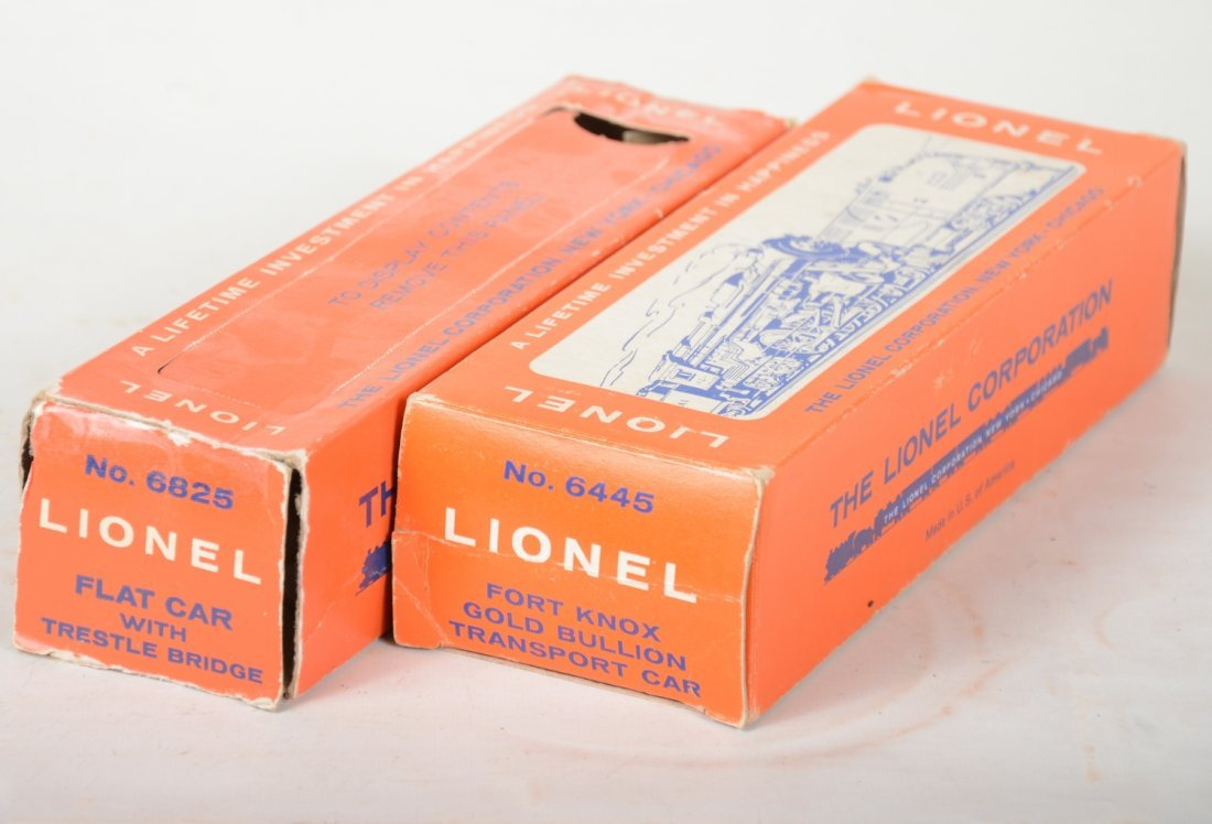 LN Boxed Lionel 6445 & 6825 Freight Cars - 2