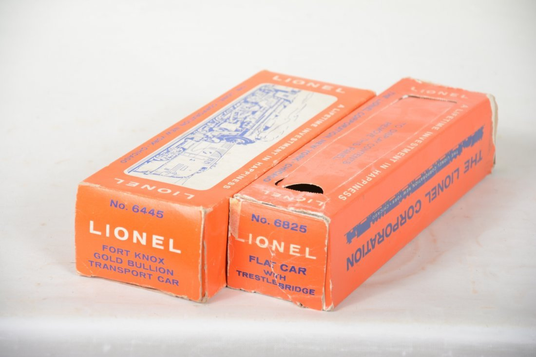LN Boxed Lionel 6445 & 6825 Freight Cars - 4
