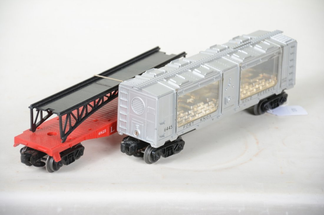 LN Boxed Lionel 6445 & 6825 Freight Cars - 5