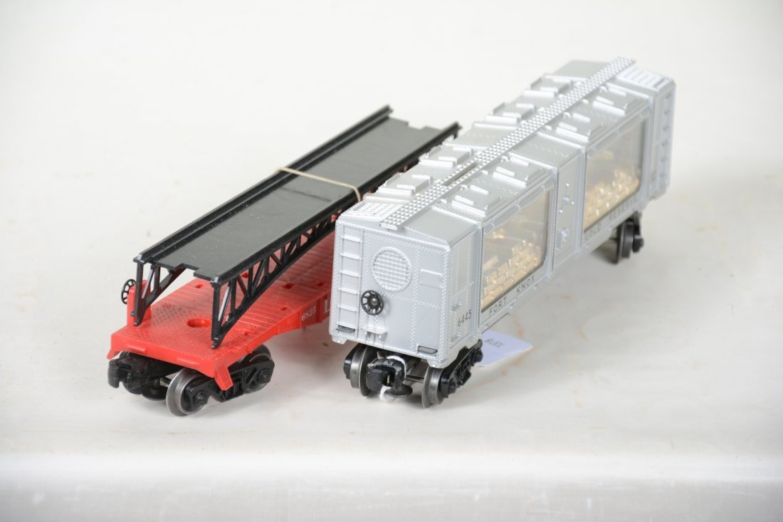 LN Boxed Lionel 6445 & 6825 Freight Cars - 6