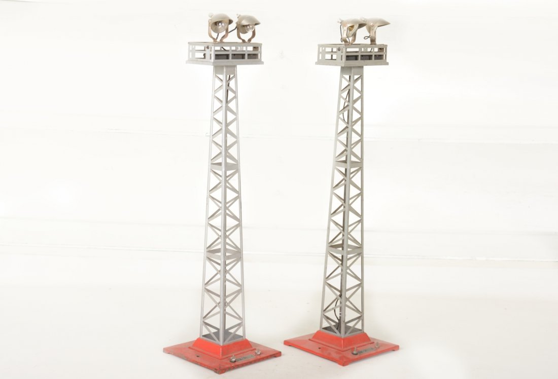 2 Lionel 92 Floodlight Towers