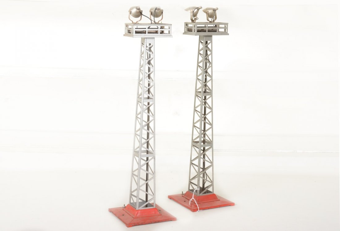 2 Lionel 92 Floodlight Towers - 2