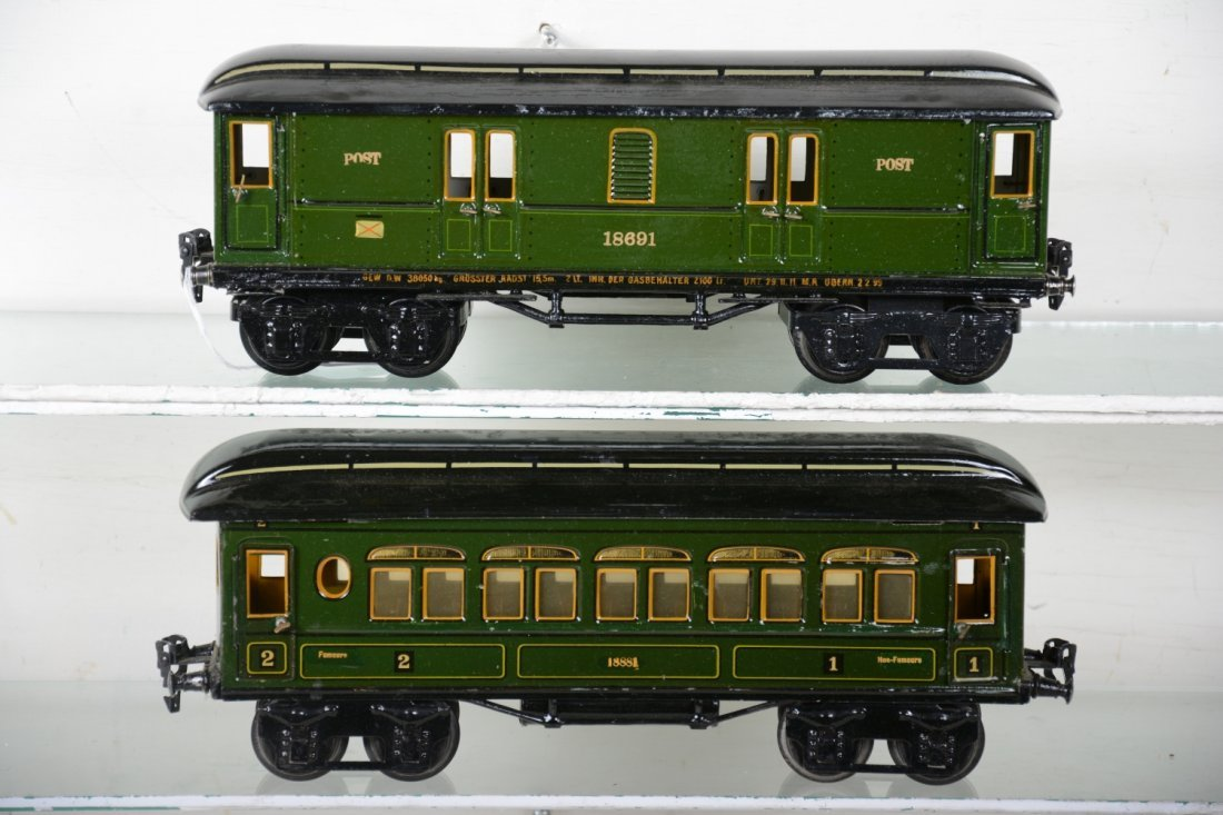 Clean Early Marklin 33cm Passenger Cars