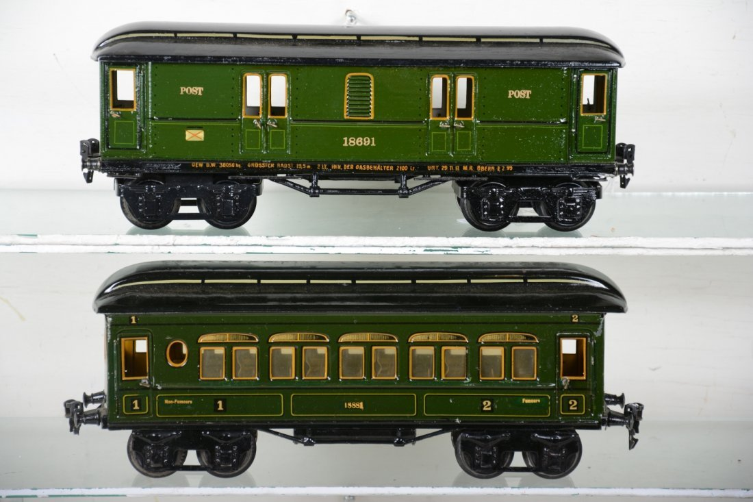 Clean Early Marklin 33cm Passenger Cars - 2
