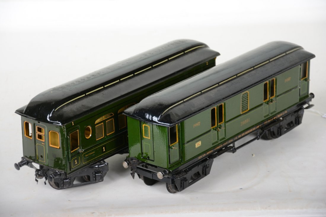 Clean Early Marklin 33cm Passenger Cars - 3