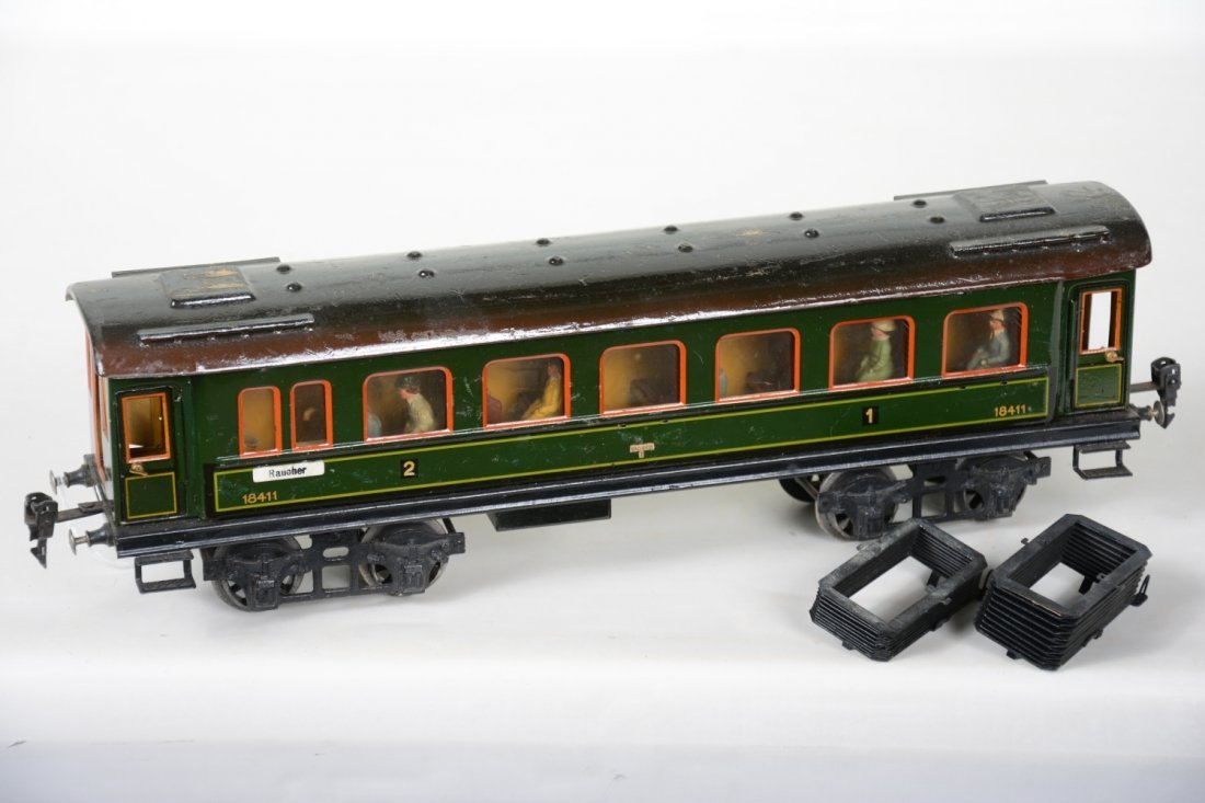 42cm Marklin 18411 Coach with Interior & Figures