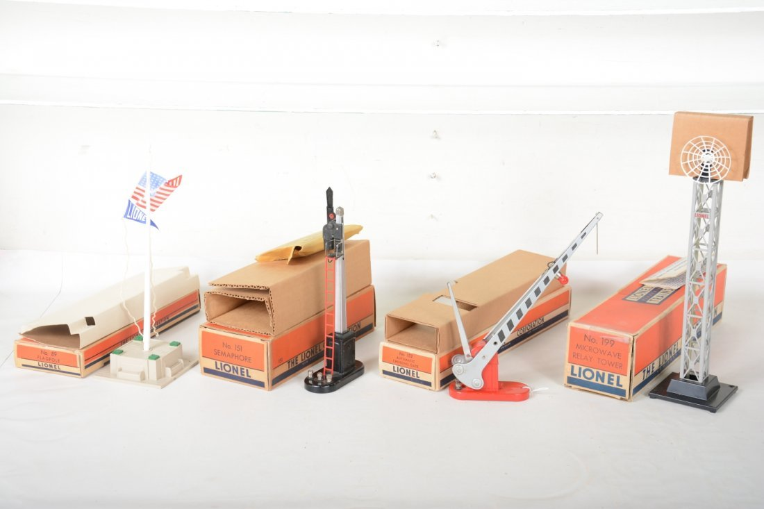Nice Boxed Lionel Accessories - 2