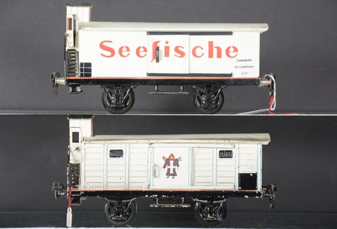 2 Marklin 25cm Reefer Cars - 2