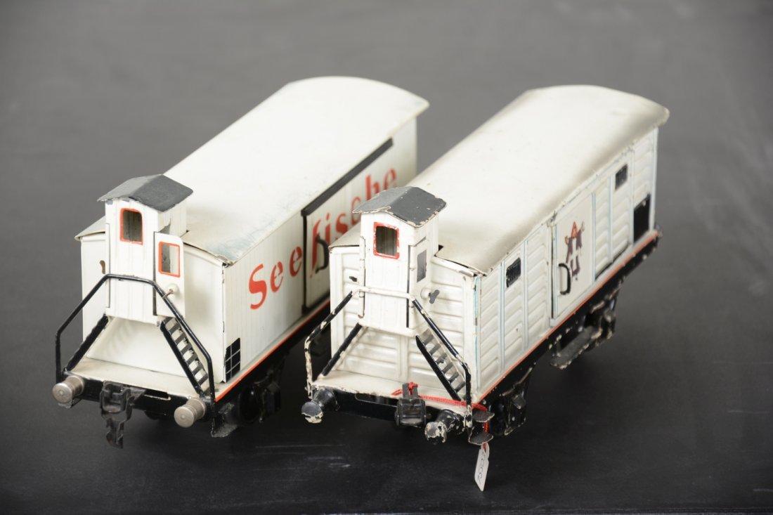 2 Marklin 25cm Reefer Cars - 4