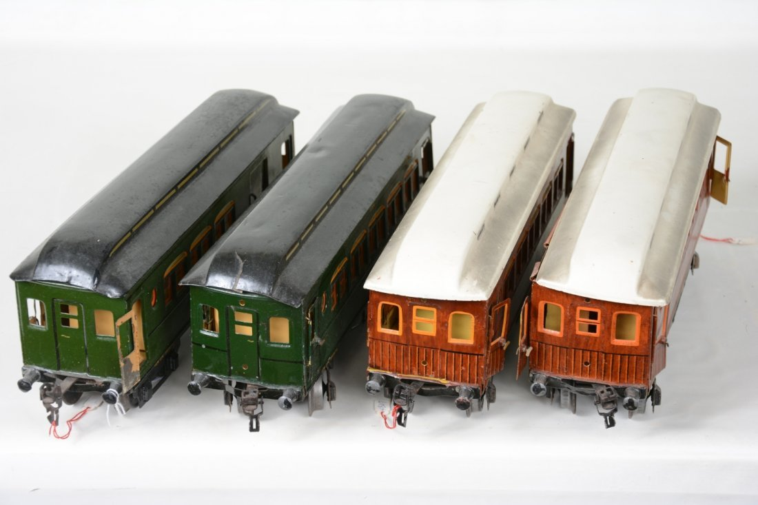 4 Matching Marklin Passenger Cars - 4