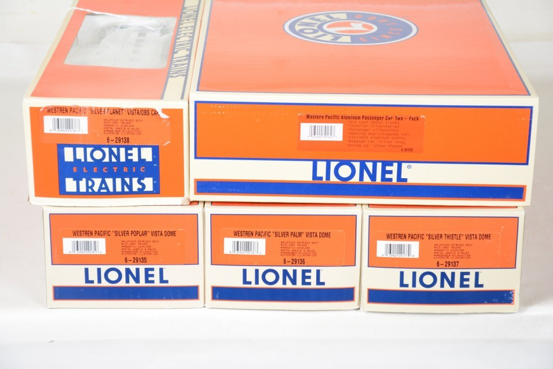 Lionel WP Streamline Passenger Cars - 2