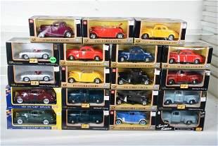 19 Miasto & MotorMax 1:24 Vehicles