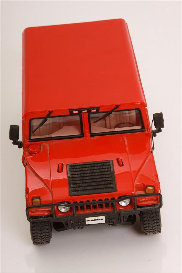 1/18 Scale Hummer by Maisto - 2