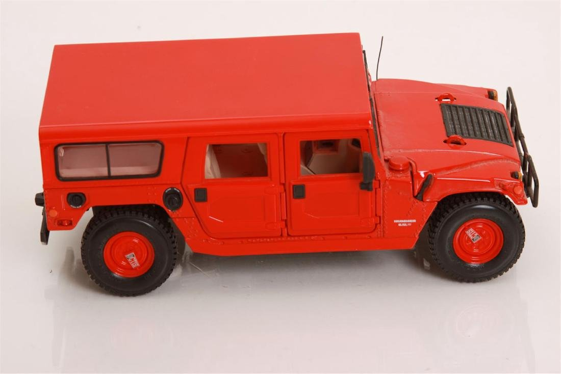 1/18 Scale Hummer by Maisto - 3