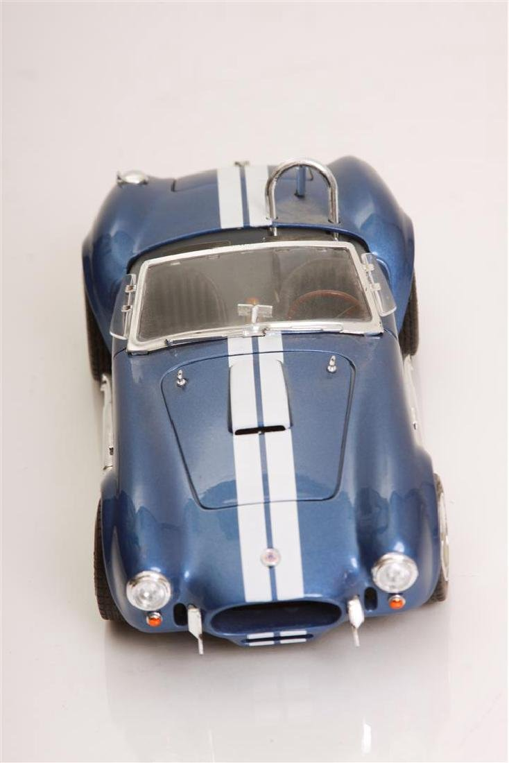 1/18 Scale Shelby Cobra 427 S/C by Road Legends - 2