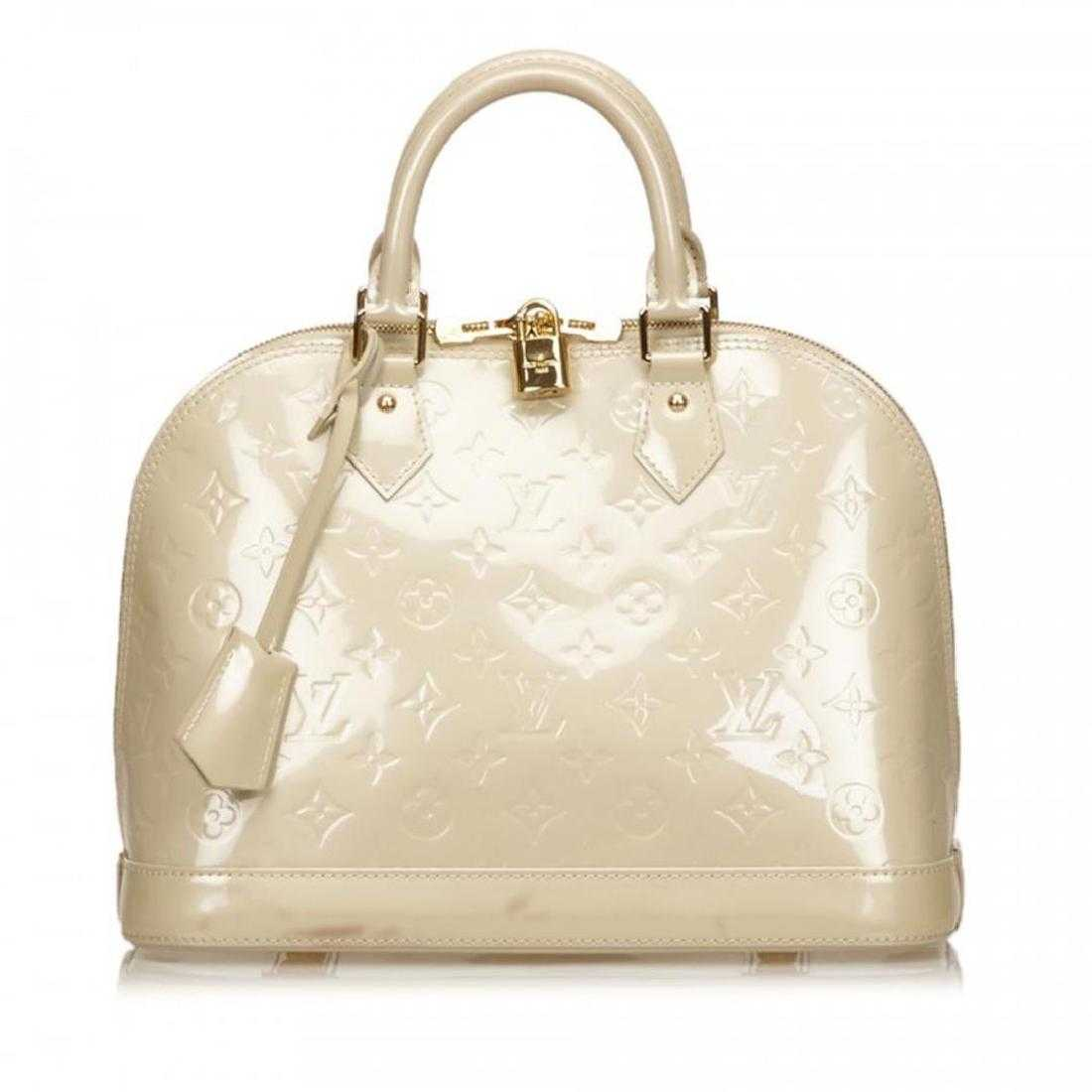 d07c619e6189 Louis Vuitton Off White Pearl Vernis Monogram Alma PM