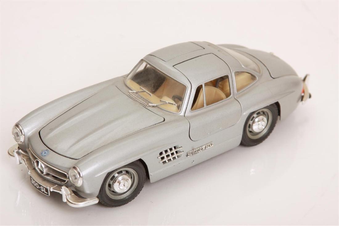 1/24 Scale 1954 MBZ 300 SL by Burago