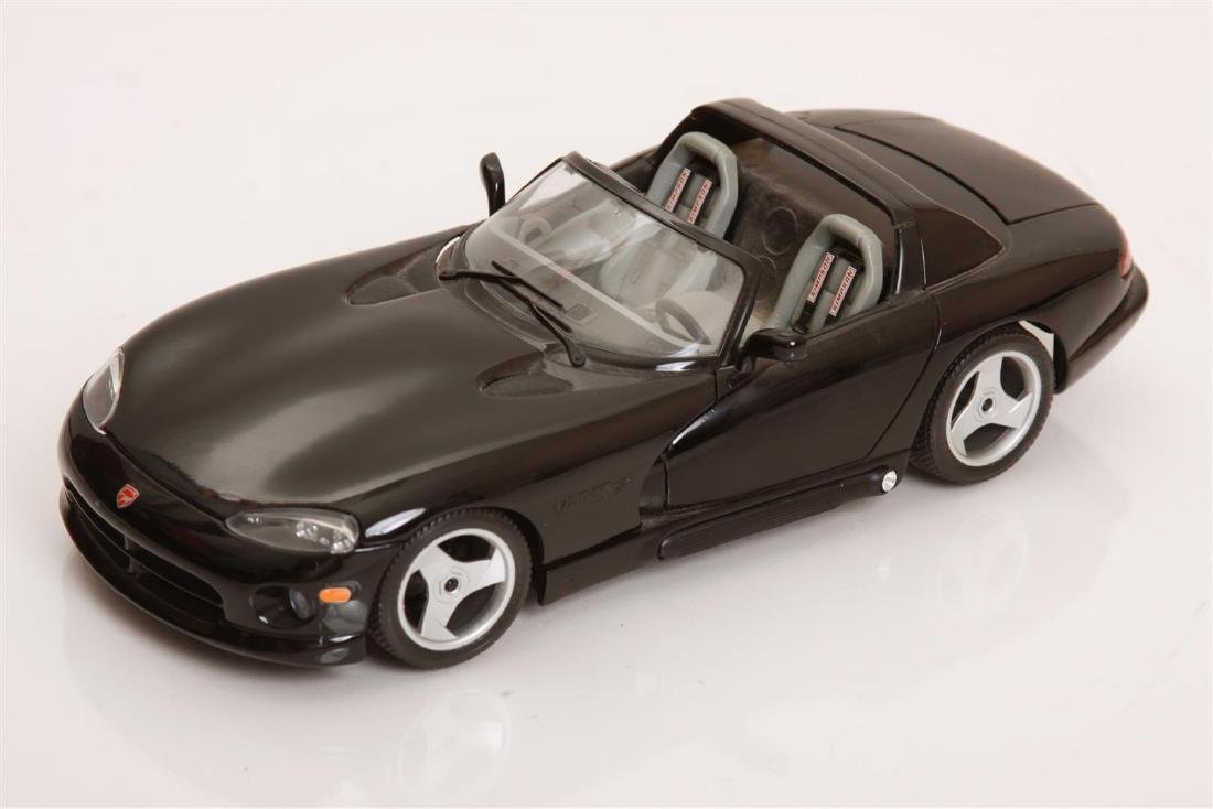 1/18 Scale Dodge Viper RT/10 by Burago