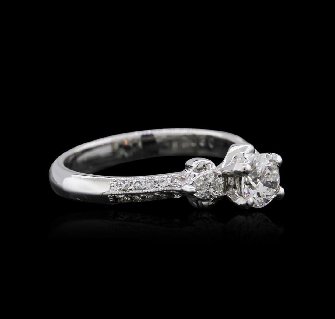 18KT White Gold 0.84 ctw Diamond Ring