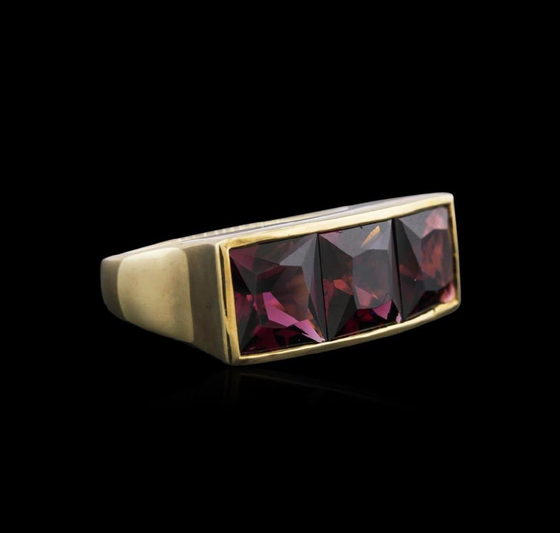 14KT Yellow Gold 9.00 ctw Red Garnet Ring