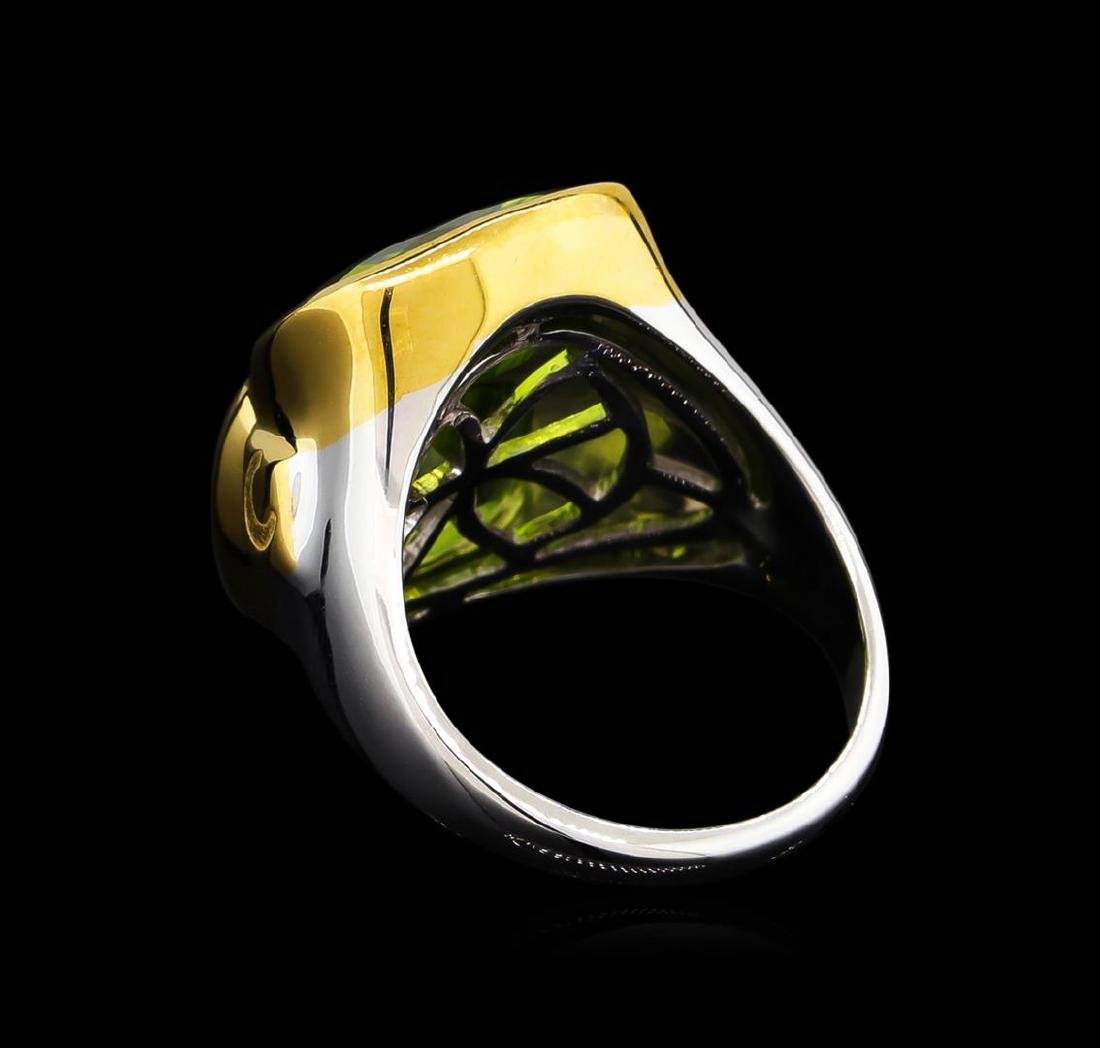Crayola 8.90 ctw Peridot Ring - .925 Silver - 3