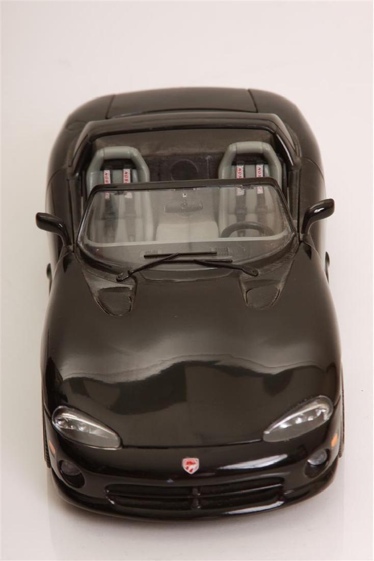 1/18 Scale Dodge Viper RT/10 by Burago - 2
