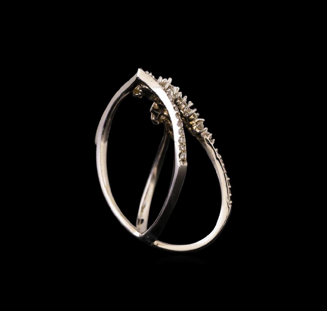 14KT White Gold 0.58 ctw Diamond Ring - 4