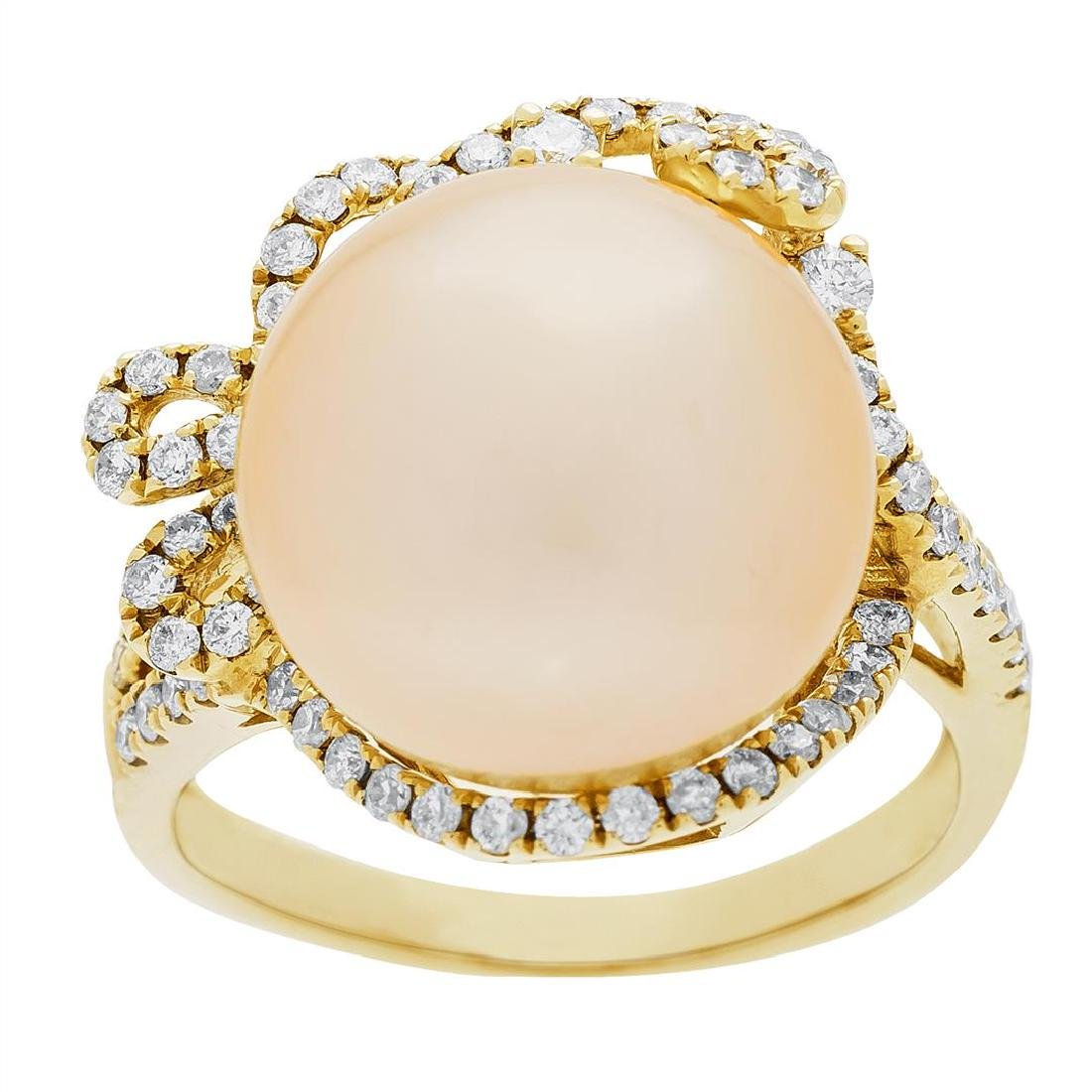 0.59 ctw Diamond and Pearl Ring - 18KT Yellow Gold - 2