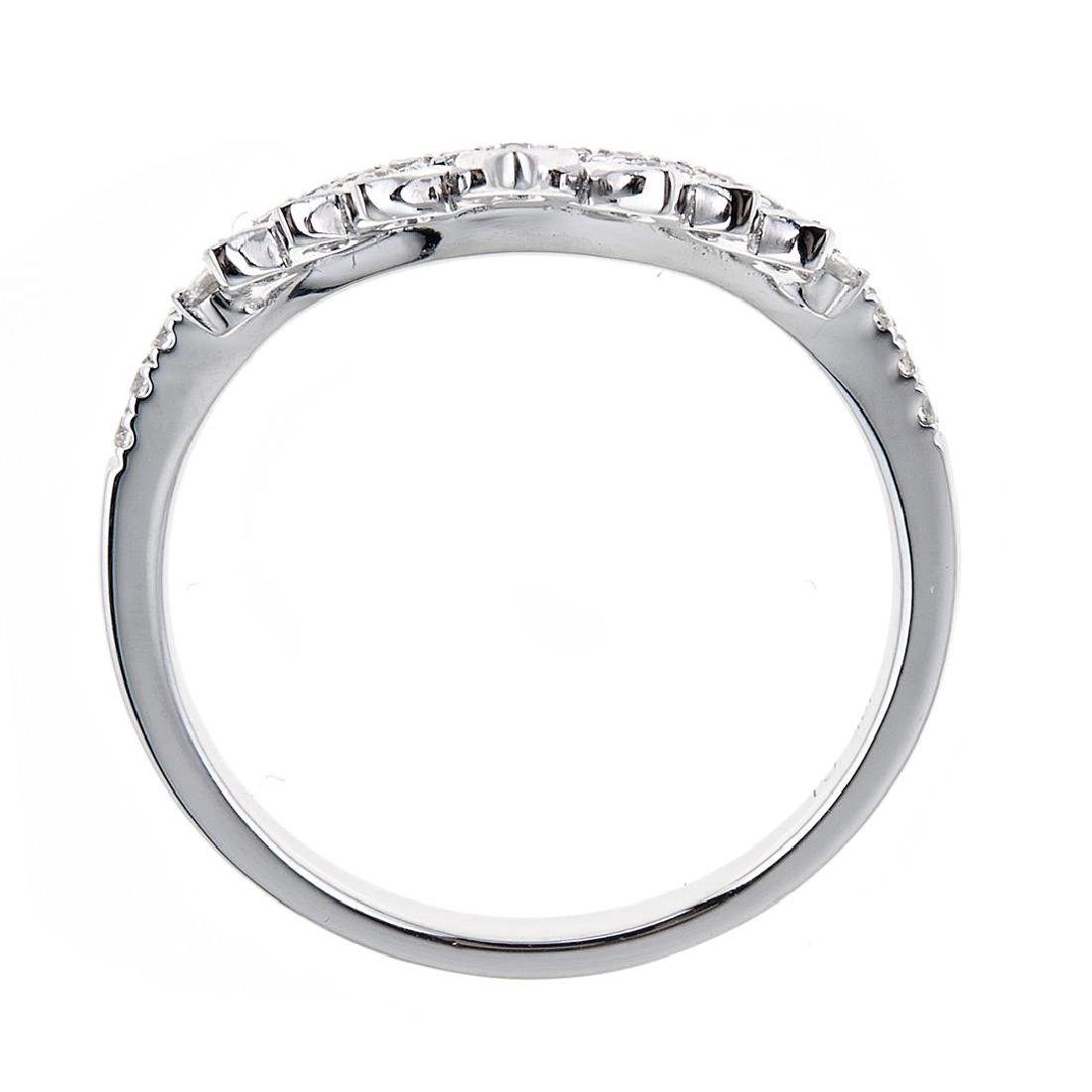 0.26 ctw Diamond Ring - 18KT White Gold - 2