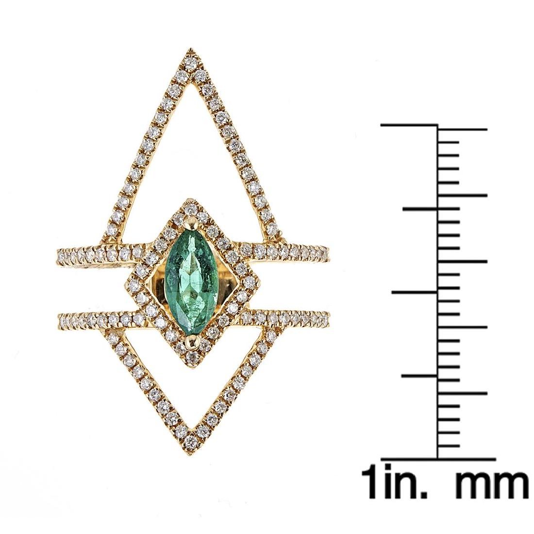 0.47 ctw Emerald and Diamond Ring - 18KT Yellow Gold - 3