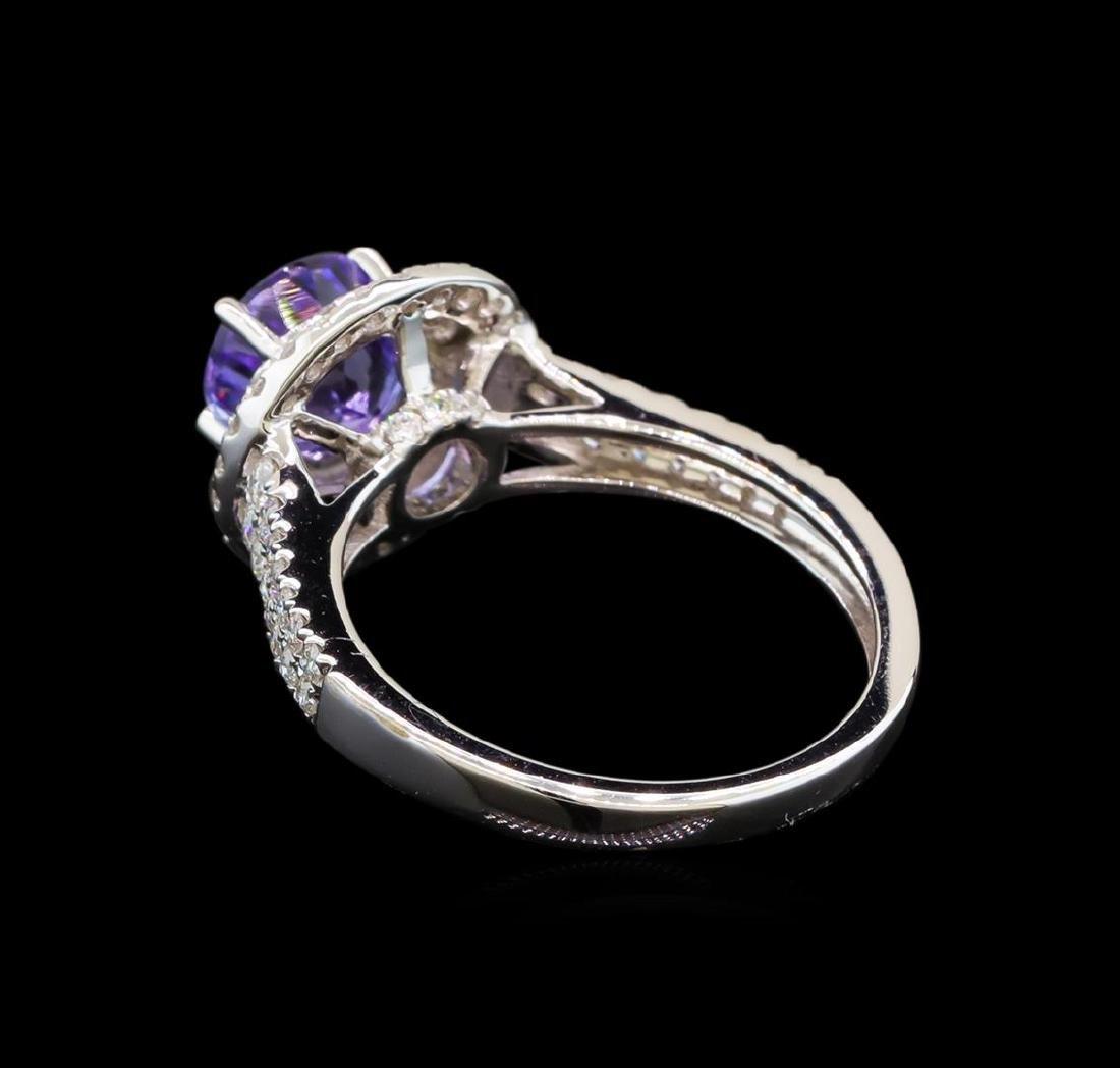 18KT White Gold 1.37 ctw Tanzanite and Diamond Ring - 3