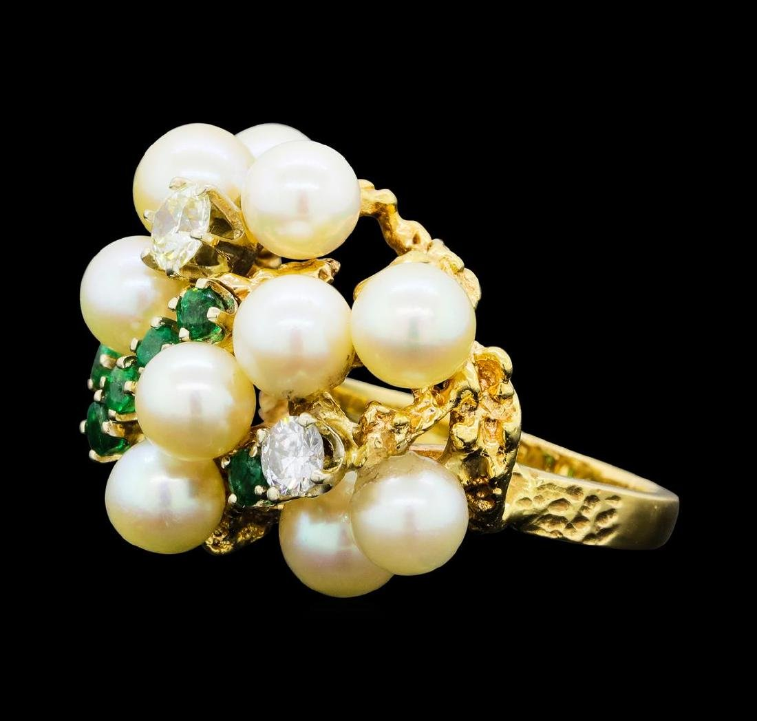 0.65 ctw Diamond, Emerald and Pearl Ring - 14KT Yellow