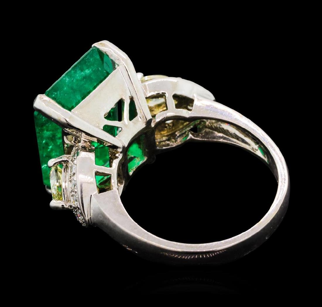 9.40 ctw Emerald and Diamond Ring - 18KT White Gold - 3