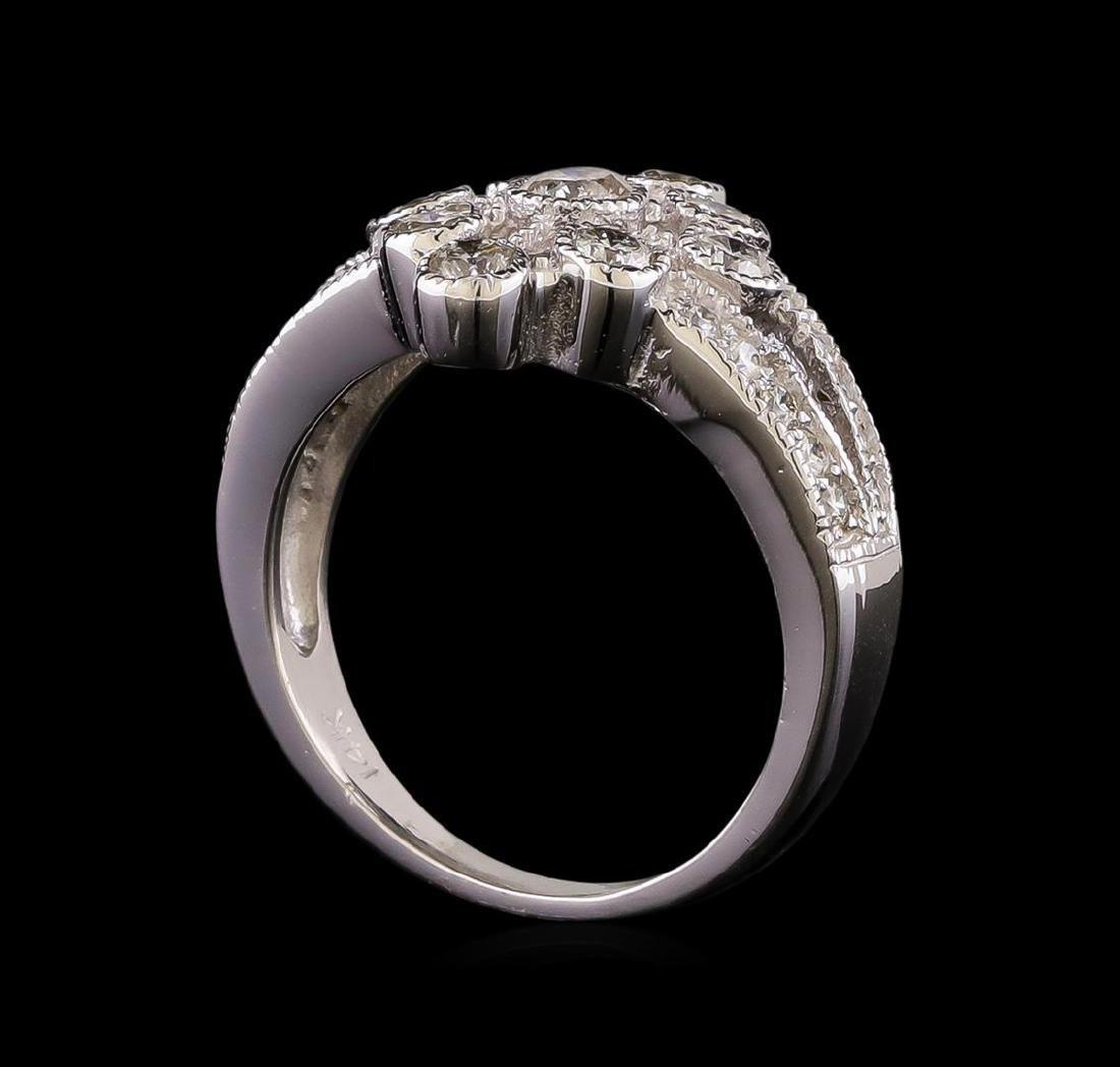 14KT White Gold 0.85 ctw Diamond Ring - 4