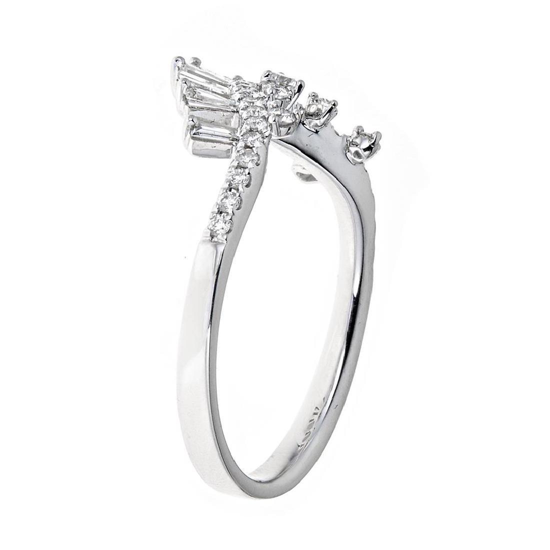 0.47 ctw Diamond Ring - 18KT White Gold - 4