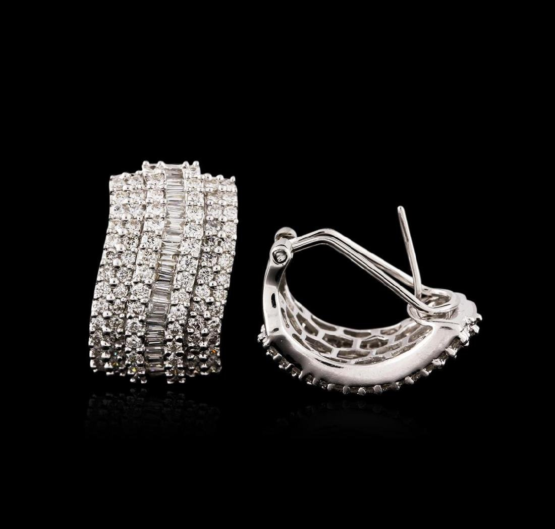 18KT White Gold 1.67 ctw Diamond Earrings