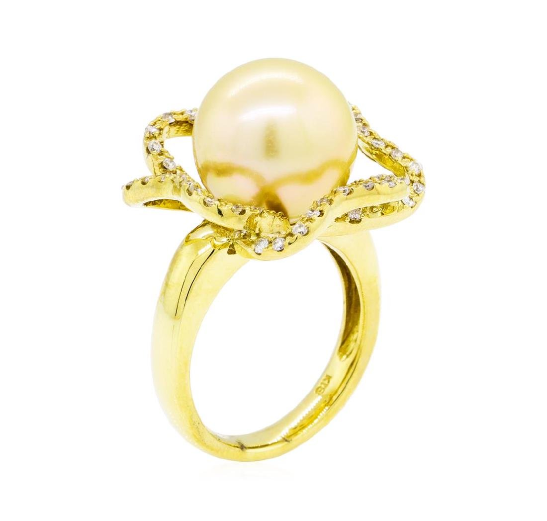 0.35 ctw Diamond and Pearl Ring - 18KT Yellow Gold - 4