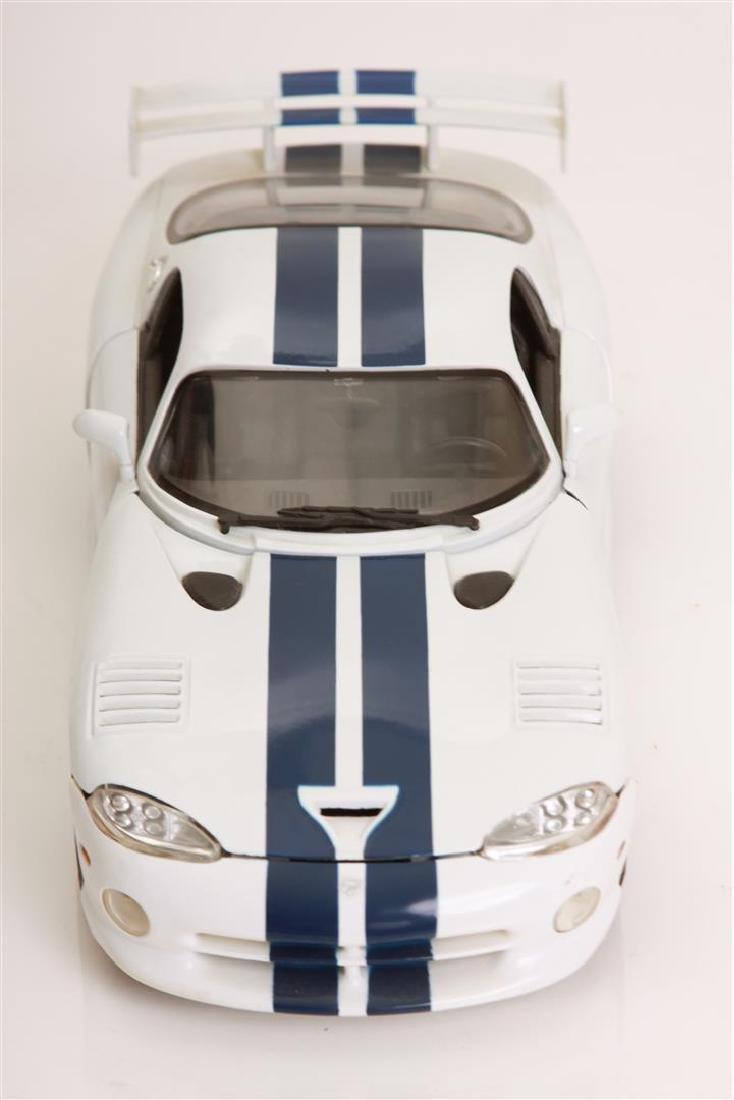 1/18 Scale Dodge Viper GTSR Coupe by Maisto - 2