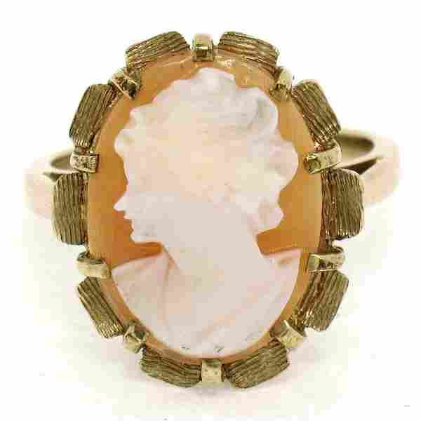 Vintage 14k Yellow Gold Oval Carved Shell Cameo Ring w/