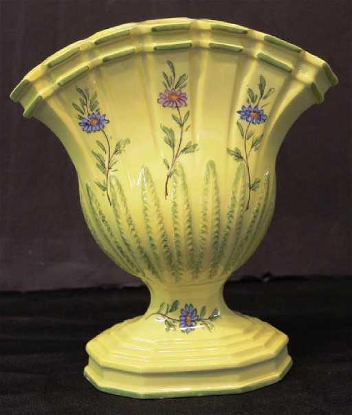 Bergdorf Goodman Vintage 1947 Porcelain Tulip Vase