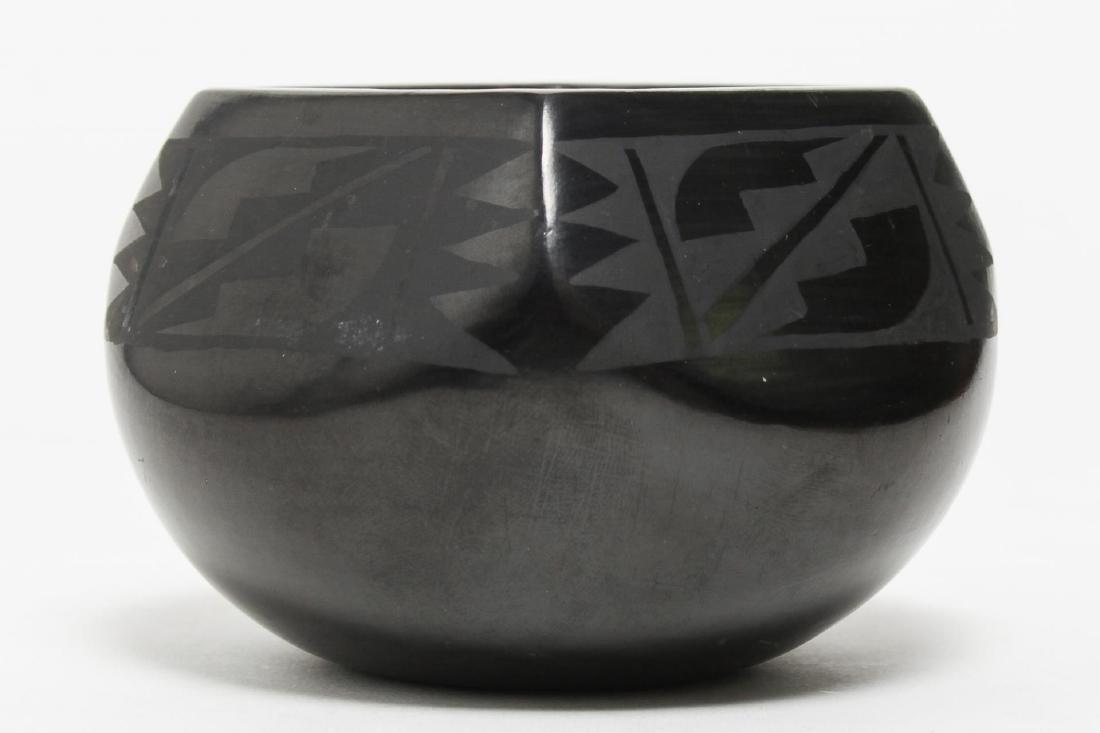 Florence Naranjo San Ildefonso Black Pottery Jar - 3