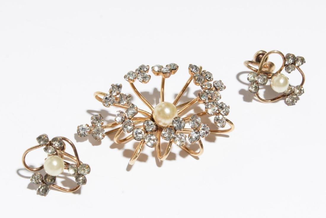 Spiffardi Vintage Costume Brooch & Earrings