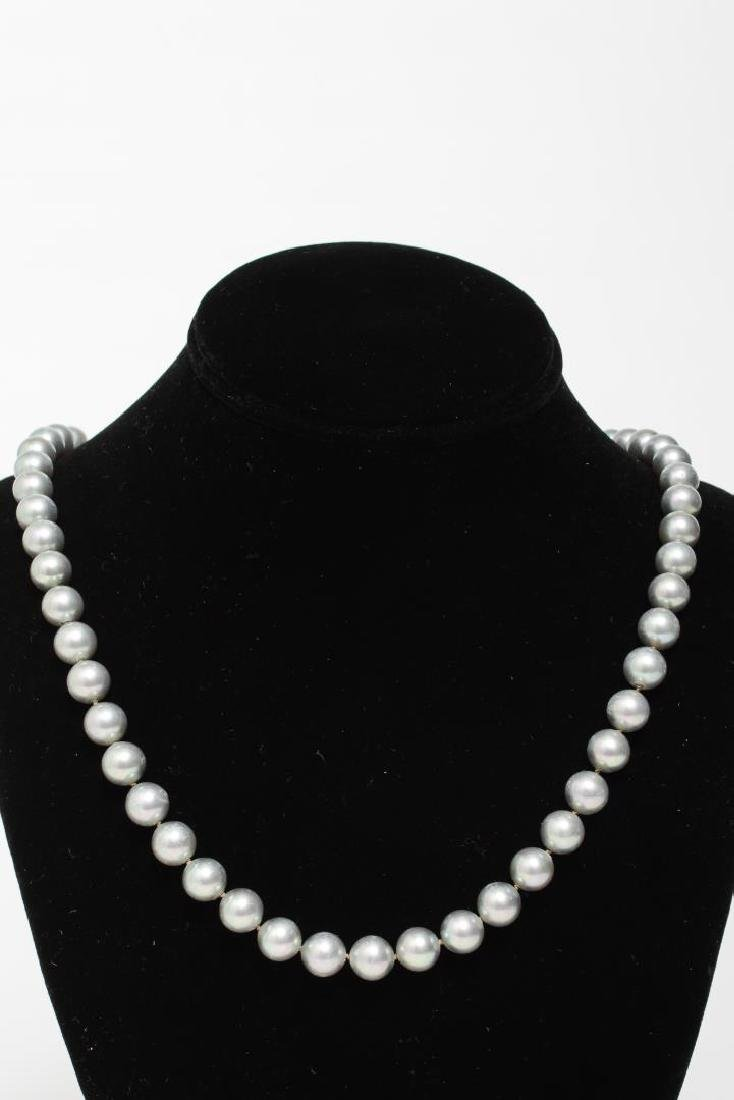 Pearl Necklaces, Group of 4 Woman's - 2