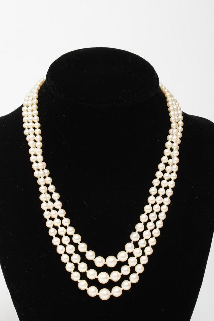 Pearl Necklaces, Group of 4 Woman's - 4