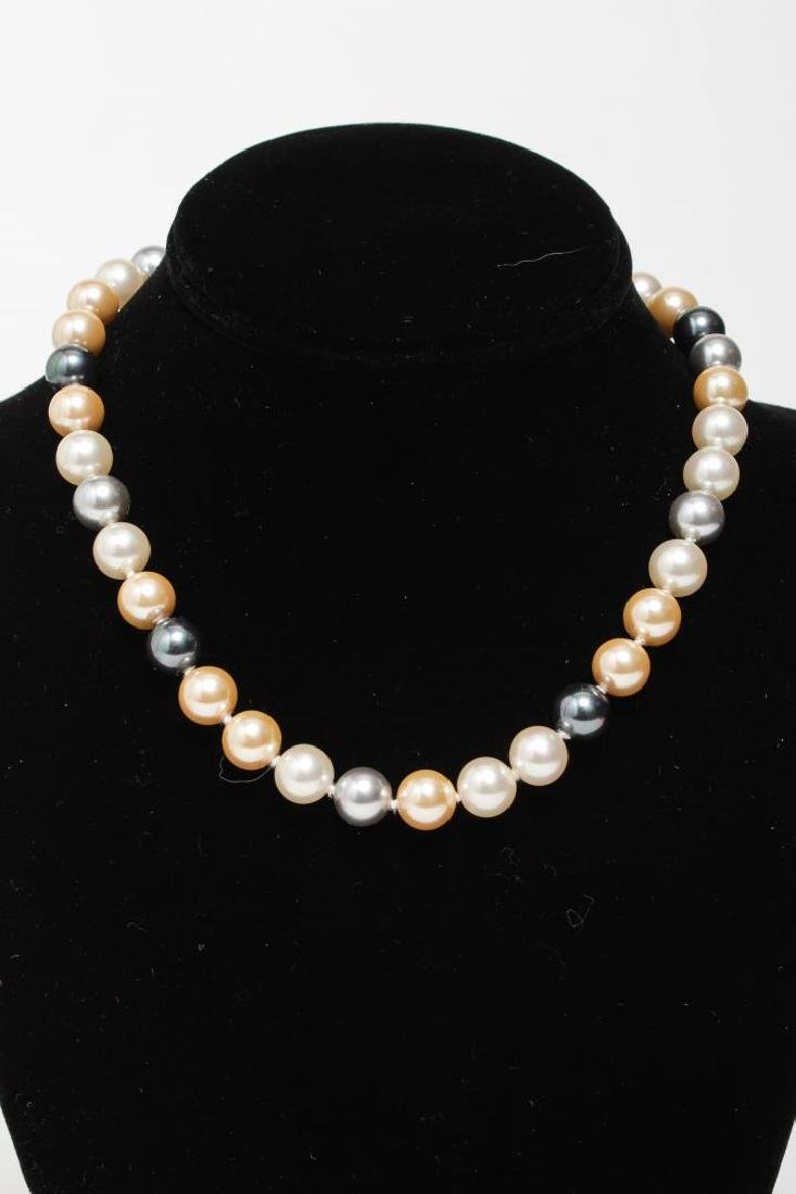 Pearl Necklaces, Group of 4 Woman's - 5