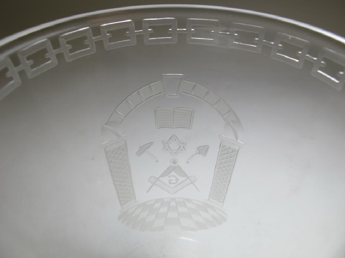 Pair of Masonic engraved glass vases - 4